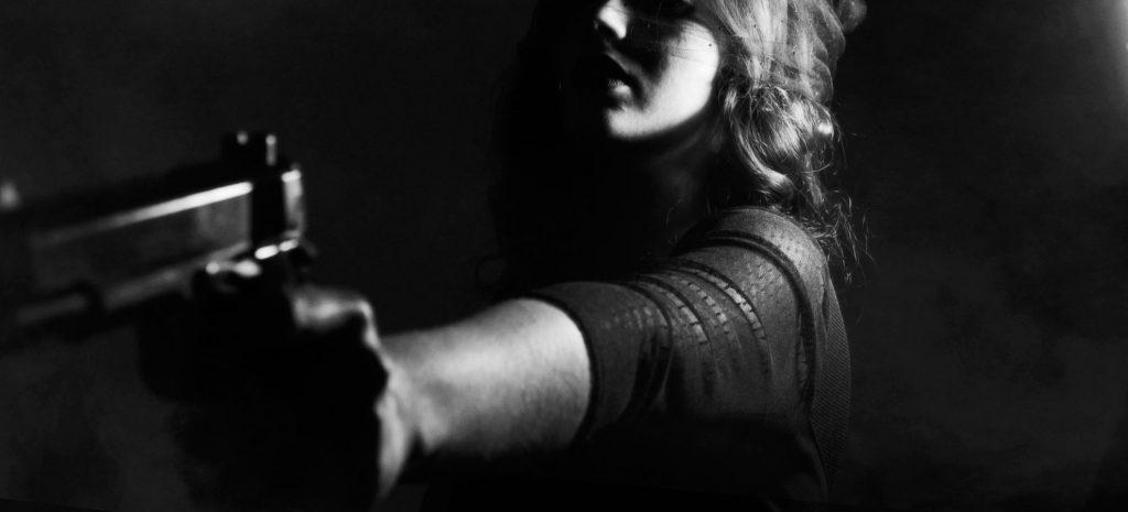 Krimidinner Köln - Frau mit Pistole